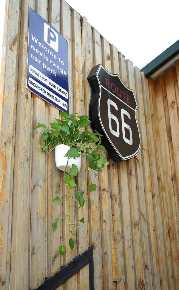 Nail free flower pot application photo